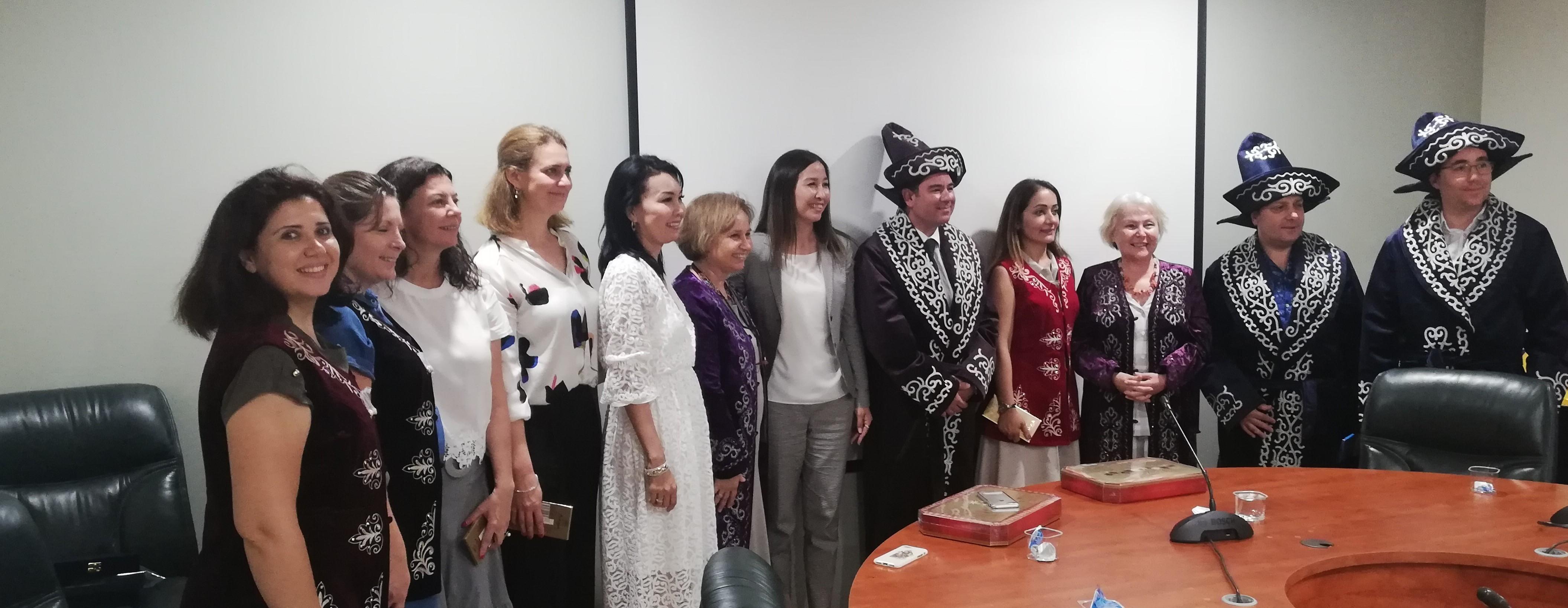 kazakistan, eğitim, eğiticilerin eğitimi